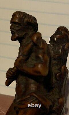 Penny Lock Back Pocket Folding Knife Pen Pipe Hand Carved Saint Christopher. 01$