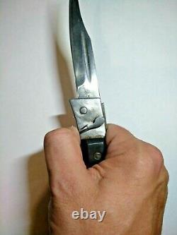 Vieux Couteau De Poche Pliant De La Zone Semi-automatique De L'urss La Seule Copie